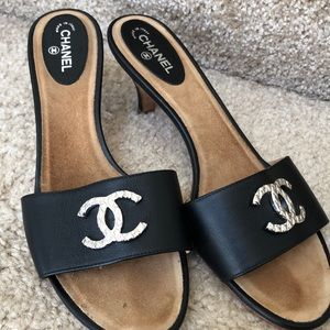 MINT AUTHENTIC Chanel Heels 9 1/2 RETAIL $900+
